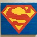 Superman-Logo aus Bricks