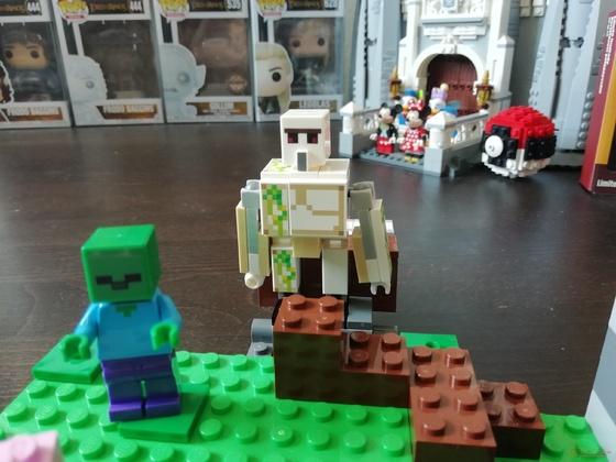 LEGO 21123 Minecraft Der Eisengolem Setbilder