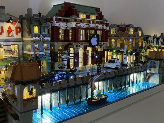 LEGO Street - 3x 10270 verbaut