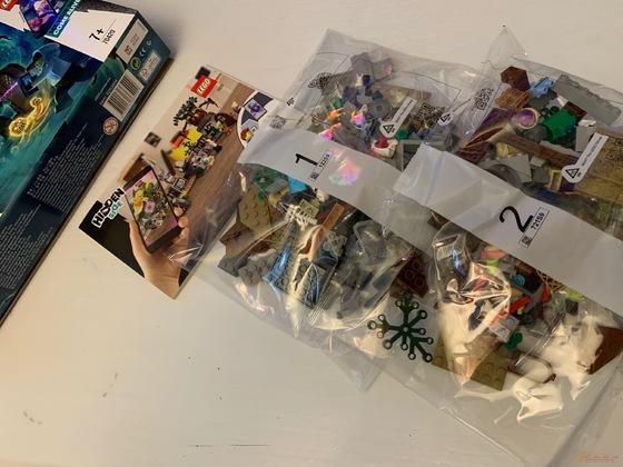 Lego Hidden Side 70420 und Tasse :-)